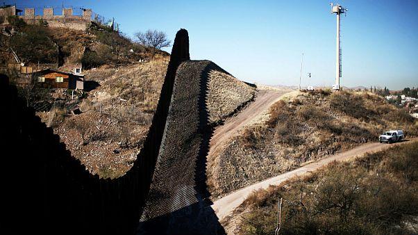 کاهش ورود مهاجران غیرقانونی از مناطق مرزی مکزیک به آمریکا