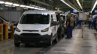 Roncsprémiumot fizet a Ford