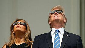Le spectacle des spectateurs de l'éclipse