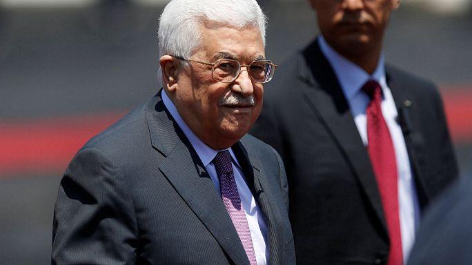 الرئيس عباس يرسل أدوية لفينزويلا ويمنعها عن أطفال غزة