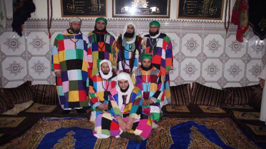 أتباع الطريقة الكركرية يثيرون الجدل في الجزائر