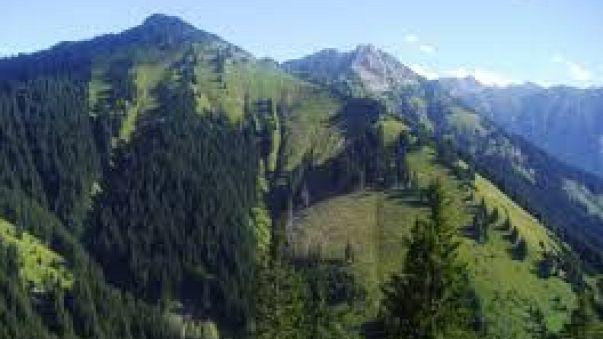 Bayerischer Wanderer stürzt in Tirol in den Tod