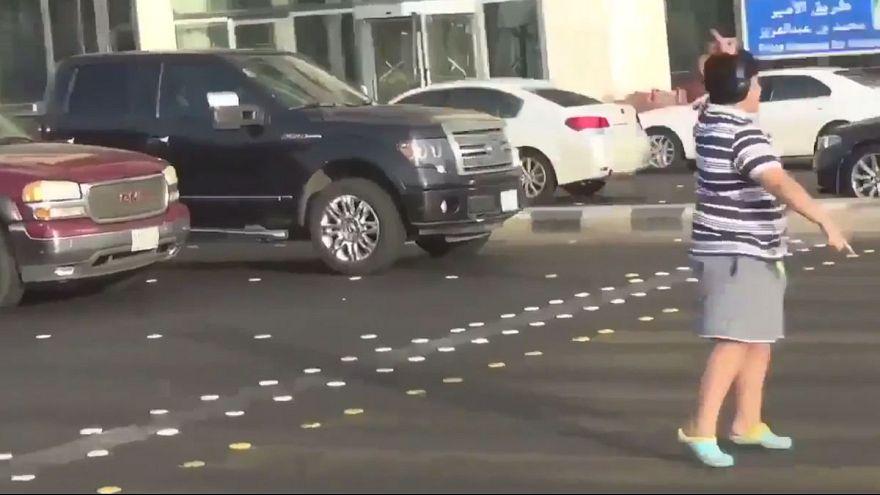 عربستان نوجوانی را که در خیابان ماکارنا رقصیده بود آزاد کرد