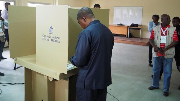 Polls close in Angola election