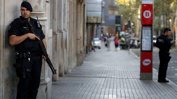 Barcelona: más policía en la calle y obstáculos móviles en puntos de gran afluencia
