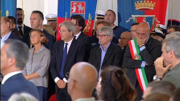İtalya'da deprem kurbanları için anma töreni