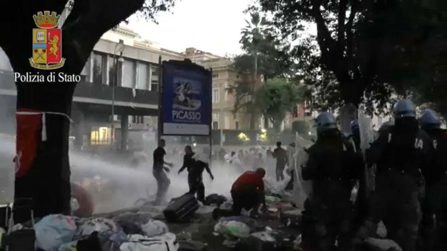 Roma'da polis mültecilerle çatıştı