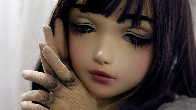 Japan: Die Puppe lebt und verdreht allen den Kopf