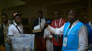 El partido gobernante de Angola clama victoria