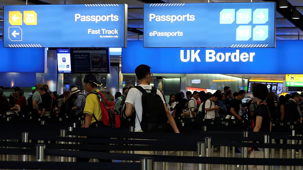 İngiltere'de net göçmen sayısında rekor düşüş