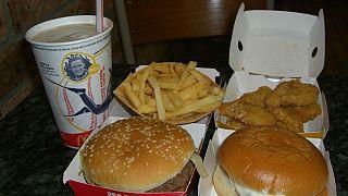 ماكدونالدز توقف استخدام للمضادات الحيوية في الدجاج