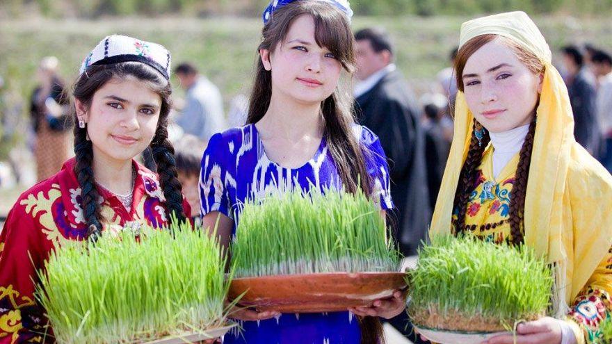تاجیکستان؛ اجبار زنان در پوشیدن لباس و پوشش سنتی