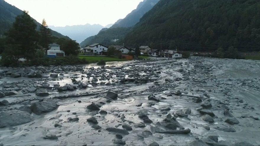 Suisse : huit randonneurs toujours recherchés après un glissement de terrain