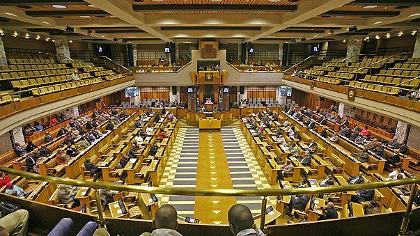 Oposição apresenta queixa contra agência de comunicação no caso Guptaleaks