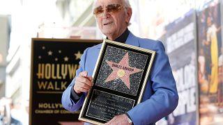 Aznavour recibe una estrella en el Paseo de la Fama
