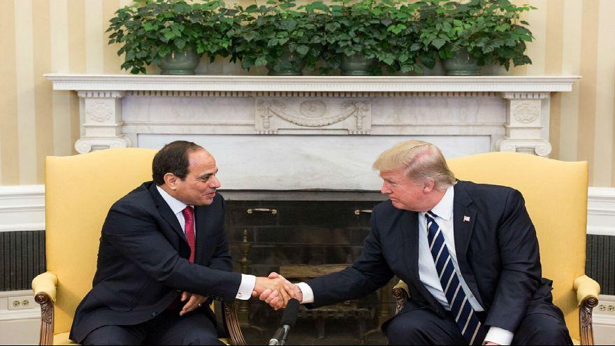 ترامب يعرب للسيسي عن حرصه على مواصلة تطوير العلاقات بين البلدين