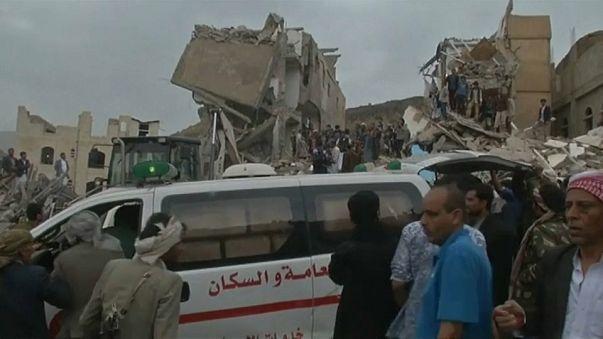 Pelo menos 12 mortos em bombardeamento da coligação liderada pela Arábia Sautida