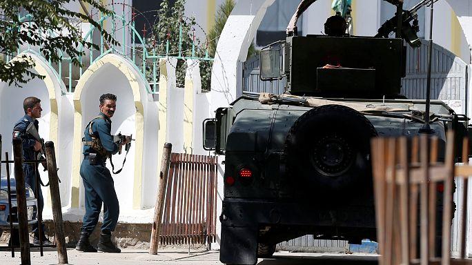 Kabul, attacco alla moschea sciita: almeno 20 morti
