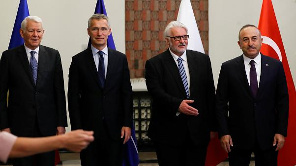 """Cavusoglu warnt Deutschland vor dem """"Überschreiten einer roten Linie"""""""