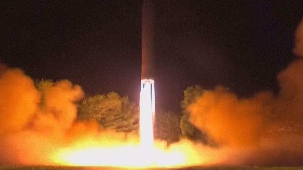 Nord Corea: Kim Jong-Un lancia tre missili