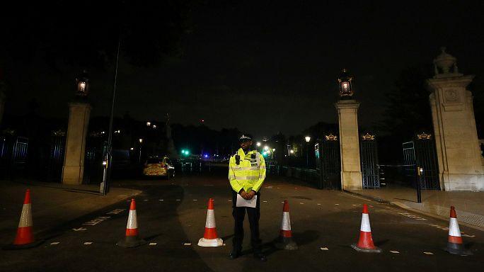 Нападение у Букингемского дворца
