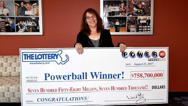 Krankenschwester Mavis Wancyk (53) gewinnt $758.7 Millionen - und?