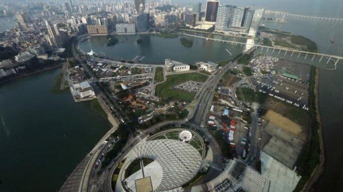 Pakhar chega a Macau como tufão de nível oito