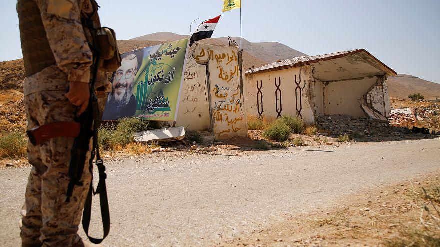 """سوريا توافق على نقل مقاتلي """"داعش"""" من القلمون إلى دير الزور"""