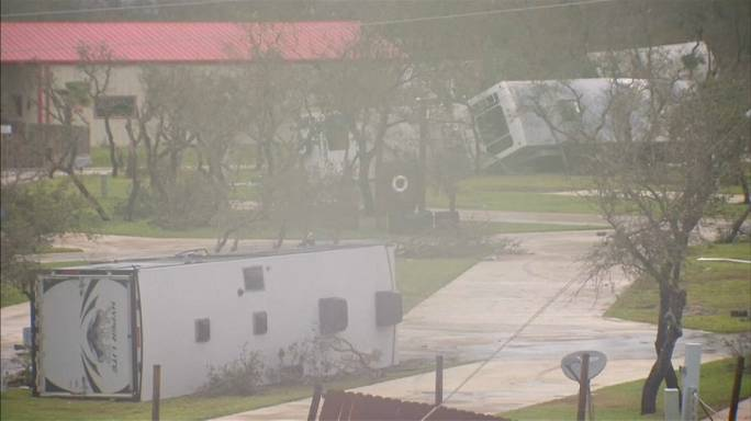 Tempestade Harvey continua a fustigar o Texas