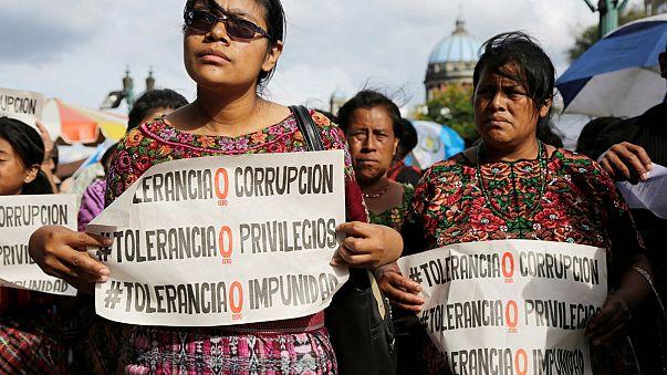 Guatemala : l'enquête sur Jimmy Morales continue