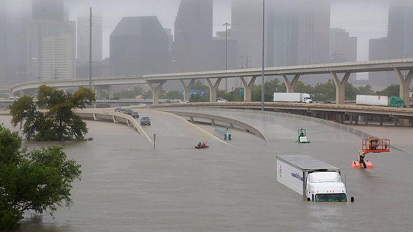 Harvey kasırgası Teksas'ı sular altında bıraktı