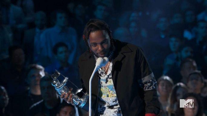 MTV Müzik Ödülleri gecesinde politik rüzgar