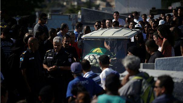 Cien policías muertos en lo que va de año en Río de Janeiro