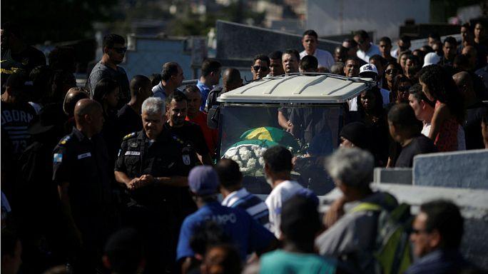 100 rendőr halt meg idén Brazíliában