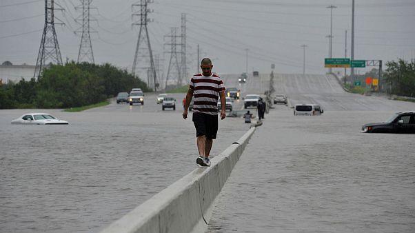 """[En images] Inondations """"historiques"""" à Houston"""