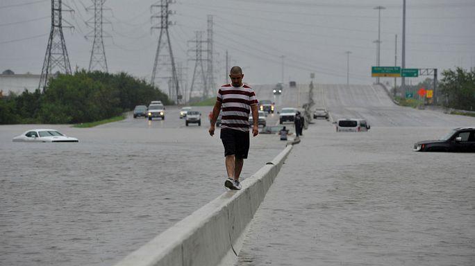 Uragano Harvey: Houston sott'acqua FOTO