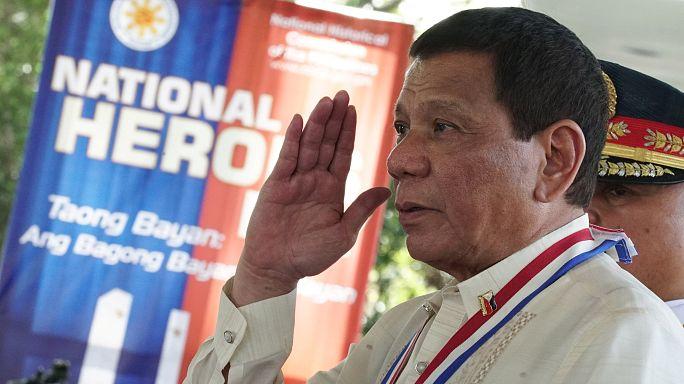 """""""Idioten erschießen"""" - Duterte rechtfertigt Polizeigewalt"""