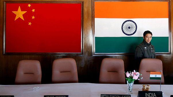 سربازان چین و هند تخلیه منطقه «دوکلام» را آغاز کردند
