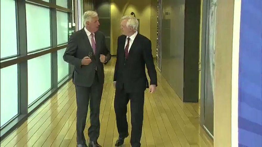 Brexit müzakerelerinin 3'üncü turu başladı
