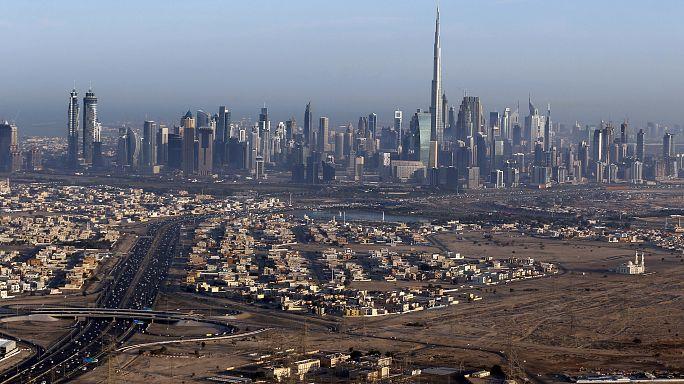 إقرار ضريبة القيمة المضافة في الإمارات