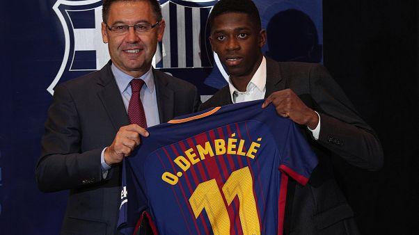 Calcio: presentato Dembélé, il nuovo numero 11 del Barcellona