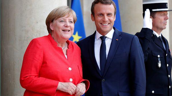 A francia elnök hotspotokat akar kiépíteni Afrikában