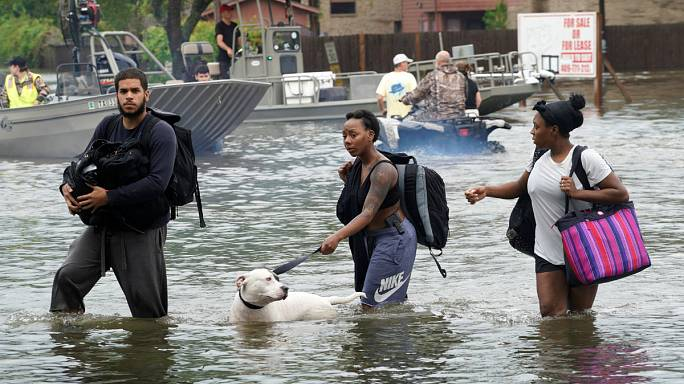 """Tropensturm """"Harvey"""": Bis zu 30.000 Menschen obdachlos"""