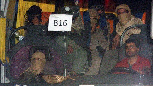400 IS-Kämpfer in Bussen nach Syrien gebracht