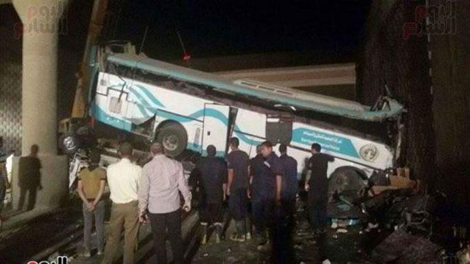 عشرات القتلى والجرحى في حادث تصادم بصعيد مصر
