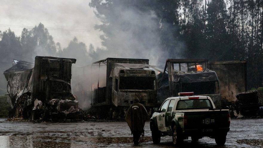 29 camiões incendiados no Chile na disputa Mapuche.