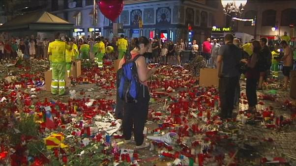 Múzeumba kerülnek a barcelonai támadás helyszínére vitt tárgyak és üzenetek