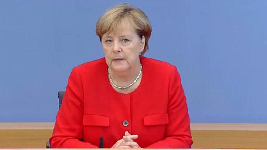 Menekültügy: Merkel súlyos következményekről beszélt
