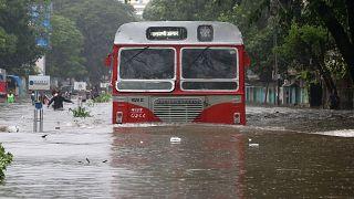 Chuvas torrenciais em Bombaim