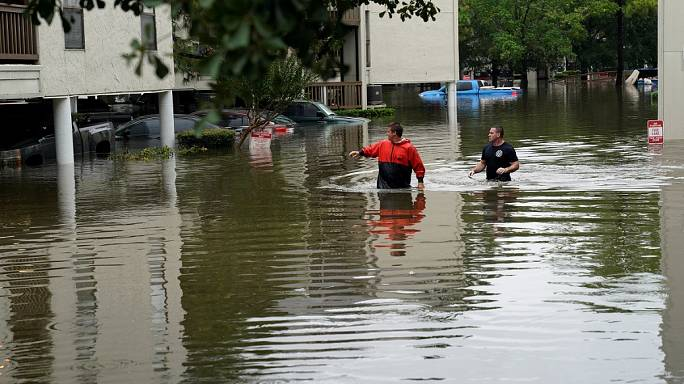 O resgate dos habitantes de West Houston
